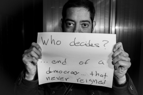 Who decides? ... end of a democracy ... that never reigned